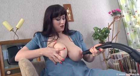 Big Lactating Tits MILF Nipple Vacuum Play