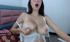 Gorgeous Babe Milking Her Amazing Lactating Boobs