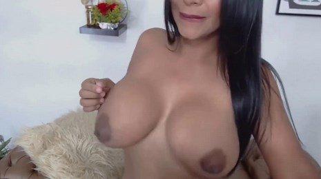 Sexy Engorged Tits Latina MILF Milking