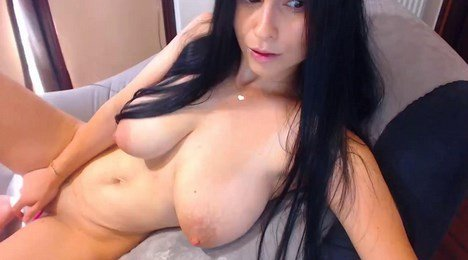 Lactating Webcam With Absolutely Gorgeous Latina MILF